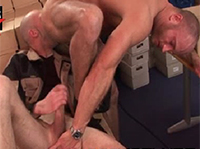Schwule Berliner ficken im Büro