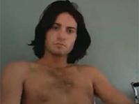 Sexy Amateur Gay wichst vor der Cam