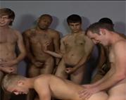 Beim Gay Gruppensex vollgewichst