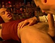 Schwulensex an der Bar