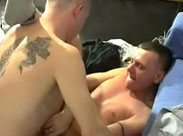 Echte Hooligans im Schwulenporno