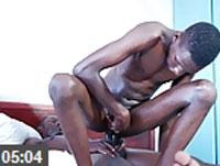 Versauter schwarzer Schwulensex
